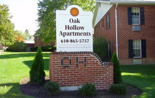 OH apartments sign