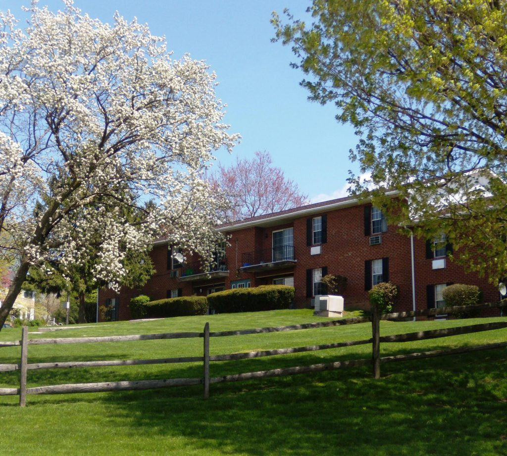 Oak Hollow Apartments Sunburst Property Management
